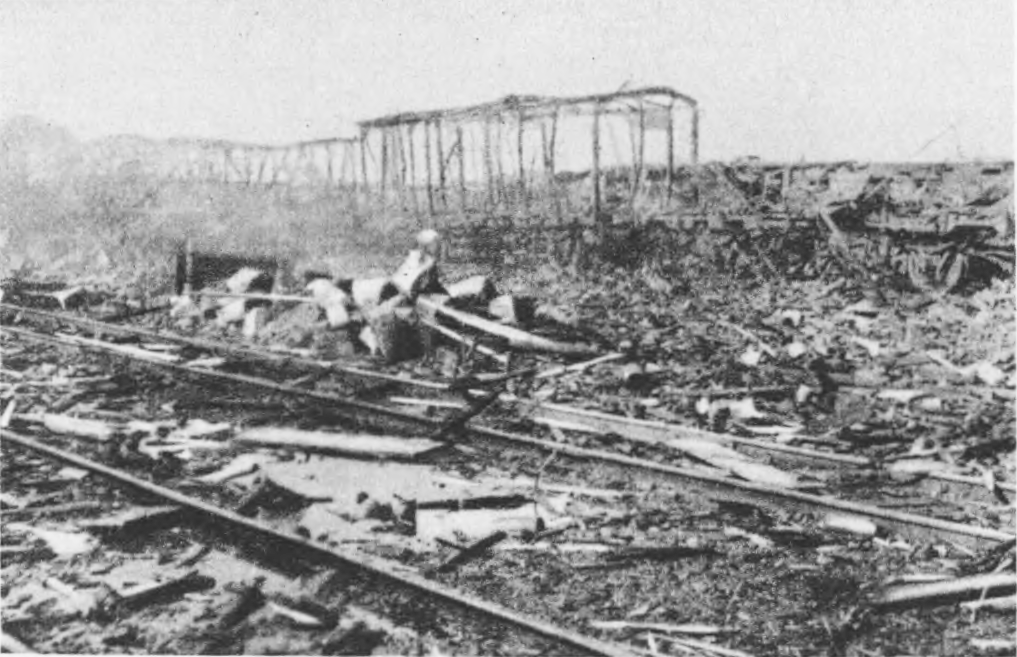 By the Chernivetskyi Station, after a big fire. Source: Semper Fidelis, 1930.