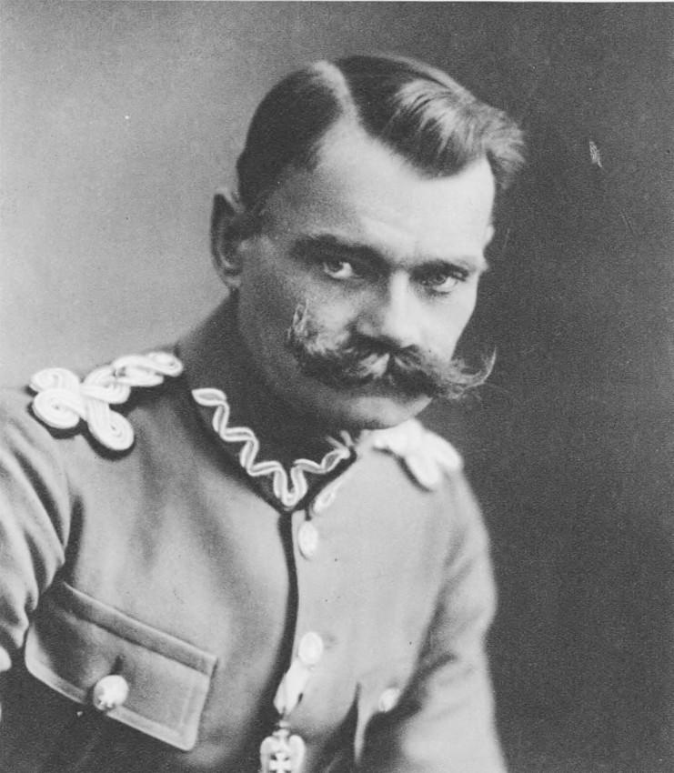 """Zdzisław Trześniowski (""""Tatar""""), commandant at the Sienkiewicz school (1-2 November), and later of Mary Magdalene school. Source: Semper Fidelis, 1930"""