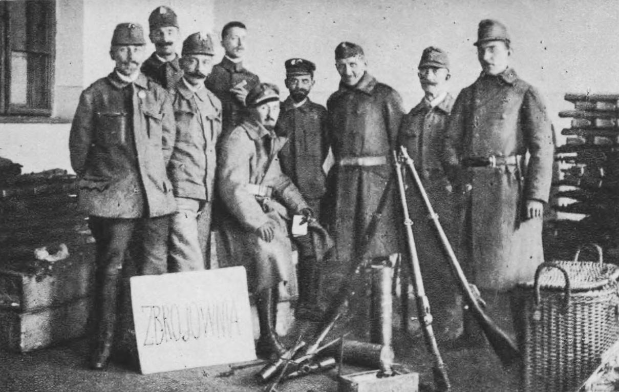 Skład broni w szkole Sienkiewicza. Źródło: Semper Fidelis, 1930