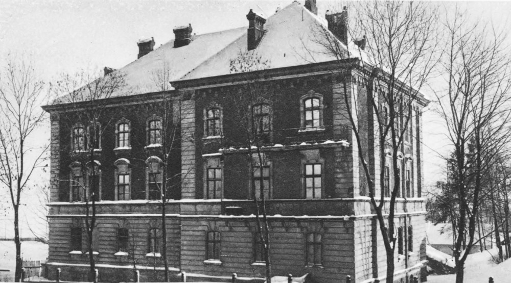 """Dom techników"" (Technician's House). Source: Semper Fidelis, 1930"