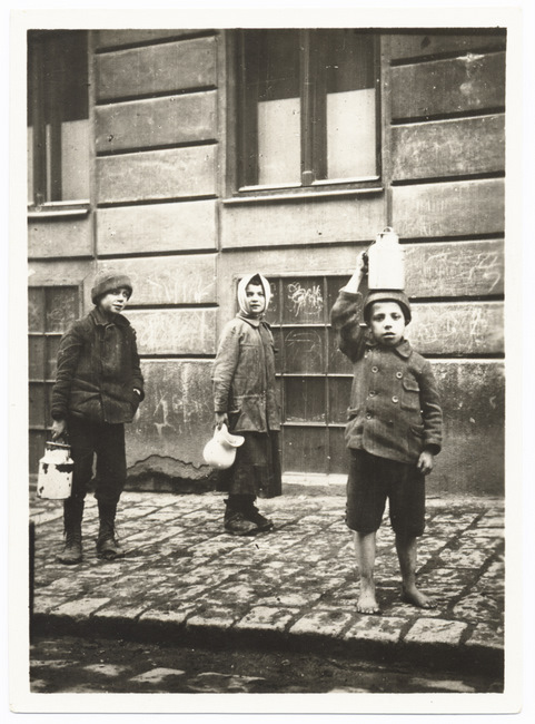 Children having received food after the pogrom. Source: YIVO digital archive